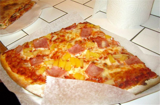 pizza con piña
